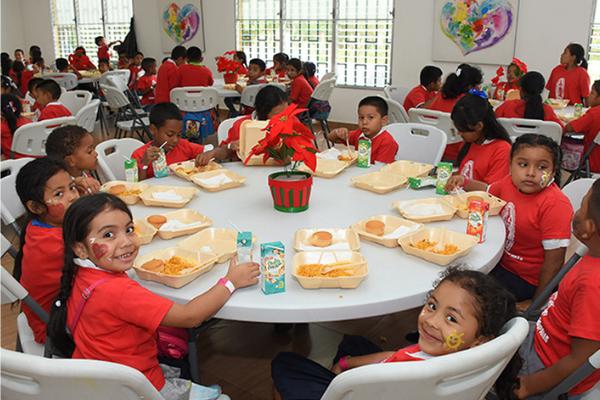 Damas Guadalupanas - Fiesta de navidad para niños